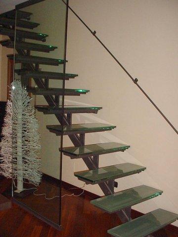 Realizzazione scale in ferro e scale in ferro battuto roma laferpi - Scala interna in ferro ...